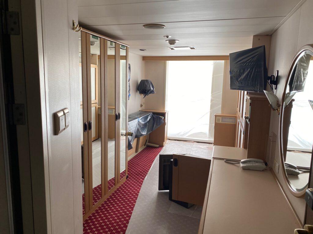 Blick in eine Kabine. Wann wohnen hier wieder Passagiere? Foto: Christoph Assies