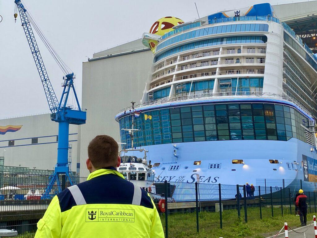 Ausdocken der ODYSSEY OF THE SEAS an der Meyer Werft. Foto: Christoph Assies