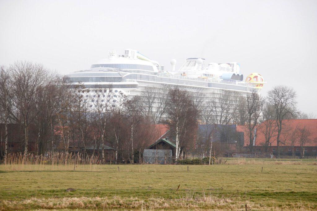 Über den Dächern von Ostfriesland. Foto: Christoph Assies