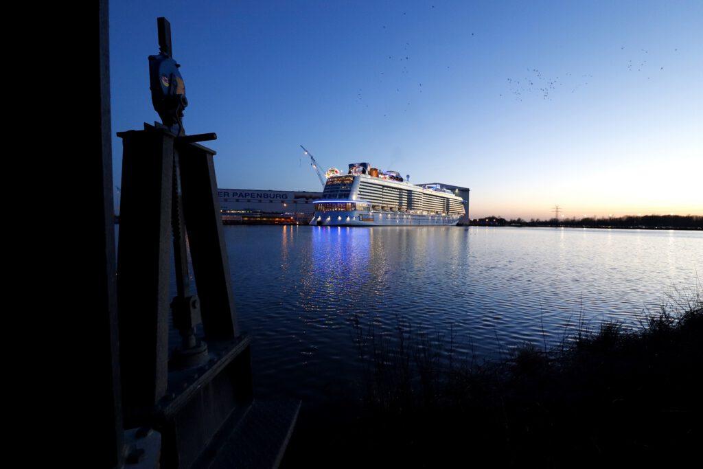 Zur blauen Stunde im Werfthafen. Foto: Christoph Assies